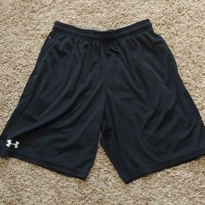 Mens large black under armour shorts